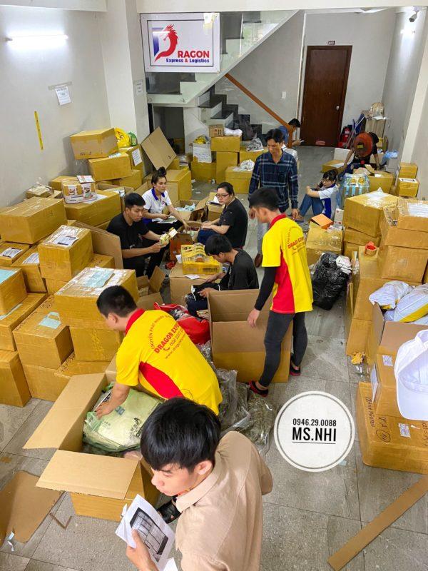 z2141045987781 b3ff0c27281153300f43287710e328fc 600x800 - Gửi hàng đi Mỹ tại Đà Nẵng giá rẻ