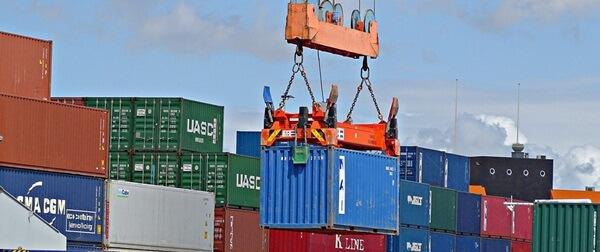 Bạn nên chọn dịch vụ vận chuyển đường biển khi có số lượng hàng hóa lớn và nặng