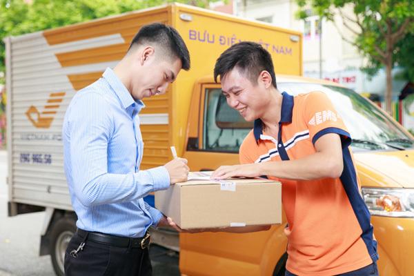 Chuyển phát nhanh bưu điện mất bao lâu tùy thuộc vào khu vực nội thành hoặc ngoài tỉnh